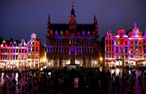 1_Celebration-of-friendship-between-Belgium-and-Britain-at-Brussels-Grand-Place.jpg