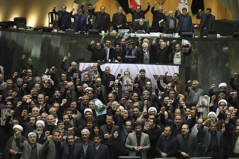 (外代一线)(6)伊朗议会将美军和美国国(3347153)-20200108020154_副本.jpg